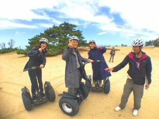 家族みんなでNewアクティビティ砂丘セグウェイで砂丘を楽しむ!