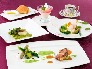 季節の味覚がつまったフランス料理ランチコースをお楽しみに♪(※写真はイメージです。)