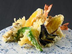 【楽味会席】選べる主菜・秋の味覚の天婦羅盛り合わせ(※写真はイメージです。)