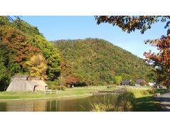 歴史公園と安久津八幡神社は一体になっています。