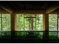 33メートルもある横に長い「オリンピック風呂」