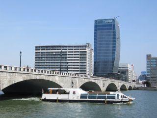 新潟の観光は信濃川ウォータークルーズで!