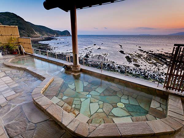 【日帰り温泉】《バスタオル・タオル無料貸し出し》「美人の湯」と呼ばれる自慢の温泉...