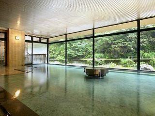 大浴場からは、四季折々の景色を絵画のように