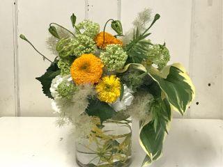当日は旬のお花でアレンジメント♪ 例)初夏のアレンジ