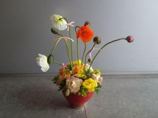 当日は旬のお花でアレンジメント♪ 例)春のアレンジ