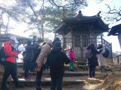雄島・頼賢の碑。国の重要文化財に指定。