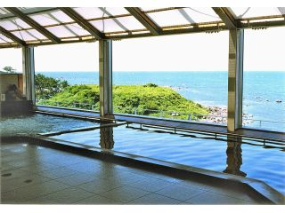 ◆日本海が一望できる温泉でゆったり◆
