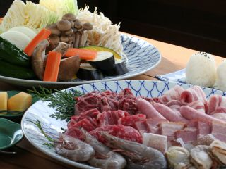 屋外テラスで国産牛と新鮮な海鮮 お野菜もたっぷり BBQはいかが?