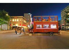 BARスタイルの馬車で夜の街を巡る《馬車BAR》が今年4月に開店しました!