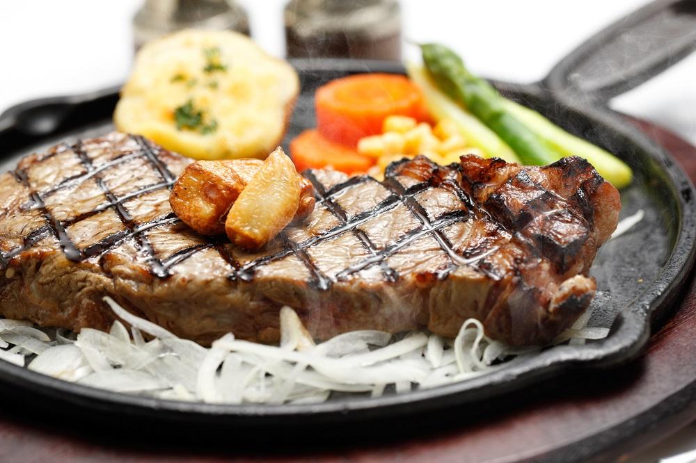 ディナー|シェフ自慢のステーキ ゆったり、ディナーでお楽しみ下さい♪