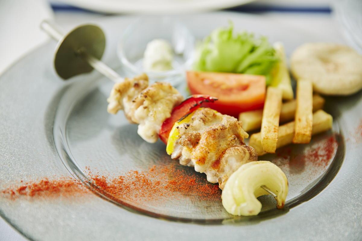 【 ランチ/お肉料理メインのクレアスコース 】ギリシャ風のお洒落なリゾートレスト...