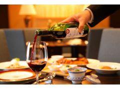 """地元長野県産のワインを中心に""""料理がススムお飲み物""""をご用意しております。"""