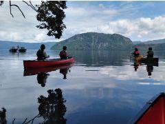 イトムカの入り江の出口から世界最大の二重カルデラ湖 十和田湖を見る