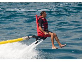 挑戦者募集中!空飛ぶ椅子!?【フリーダムフライヤー】サンライズマリン沖縄で体験できます!