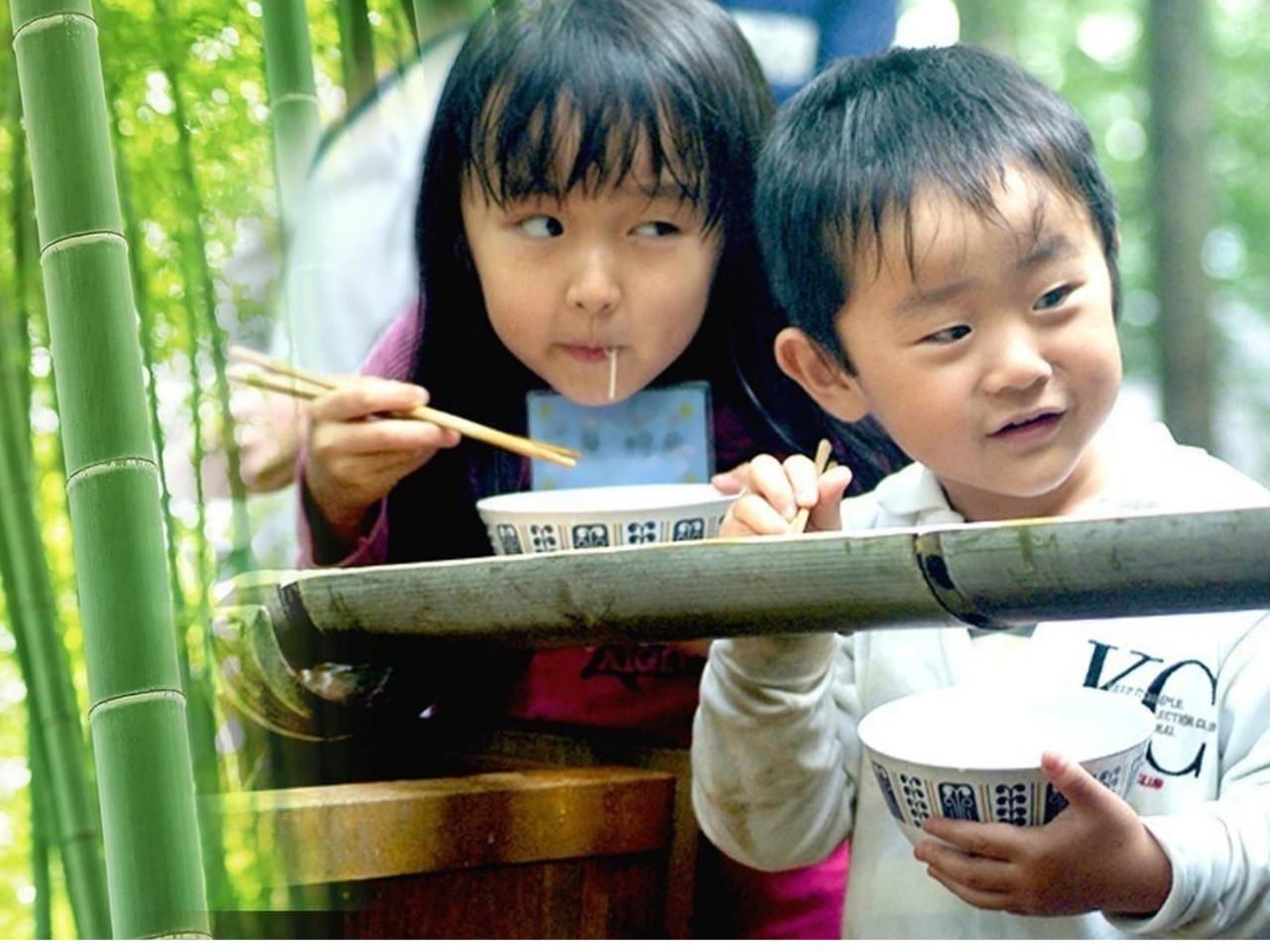 【 竹林体験 】1から作る!流しそうめん&かき揚げづくり!~夏でも涼しい竹林で体...