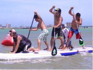 【SUP体験】ボードの上に乗ったり漕いだり♪新感覚の水上アクティビティに挑戦しよう!