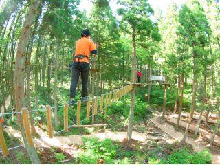 【アドベンチャーコース!!】小学4年生から楽しめる本格的なコース!!樹上14mから滑る長さ150m越えのジップスライドや、ネットに飛び移るターザンスイングができるのはこのコース!!