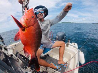 【恩納村発】ボート釣り・ちょっと大物釣り体験