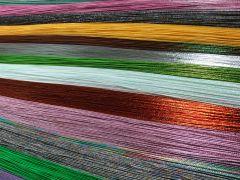 無数にある水引の束からお好みのお色をお選び頂けます(写真は一部)