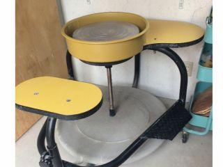 【群馬県民限定プラン】蹴ろくろで陶芸体験*米国BRENT社製の蹴ろくろ陶芸体験!電気を使わず円盤を蹴る自身の力で作品を作ります