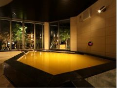 人工温泉。種類が定期的に変わりますので様々な温泉をお楽しみいただけます。