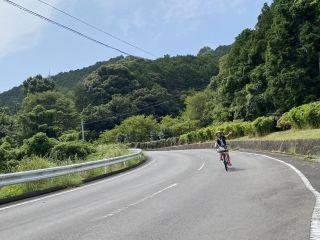 電動自転車で海沿いを快走!
