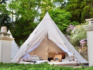 ★ウッドデッキのキャンプサイトでゆったりプライベートスペースをお楽しみください♪